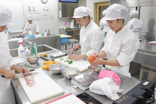 調理 京都栄養医療専門学校