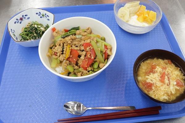 野菜丼 スポーツ栄養